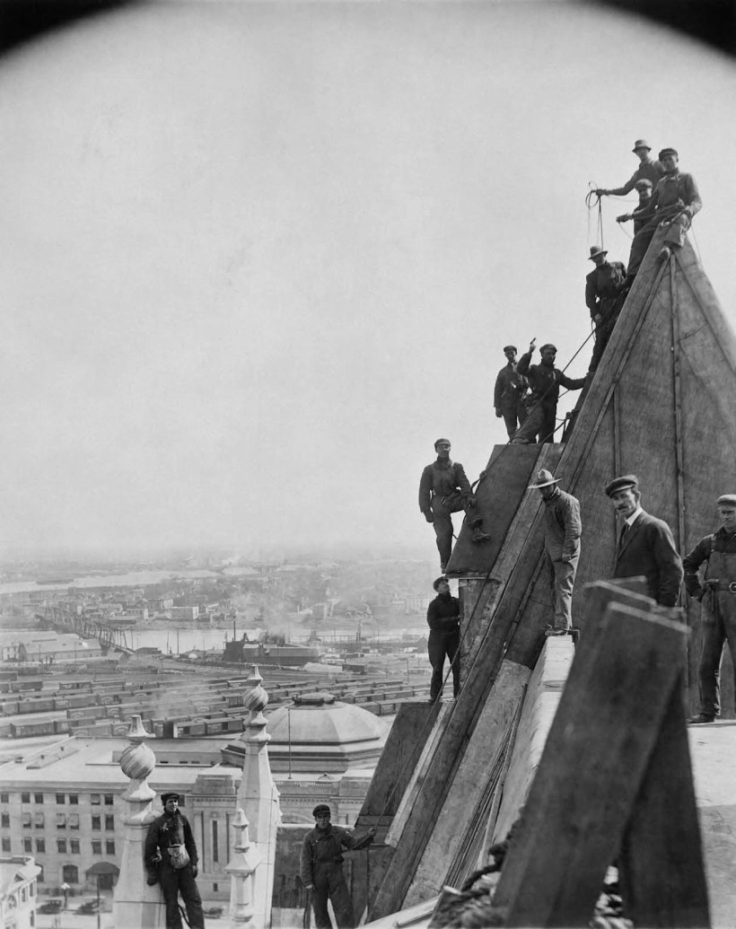 Workers copper sheathing the roof of Winnipeg's Hotel Fort Garry, ca 1915. (SOURCE: Archives of Manitoba, Still Images Section, Foote Collection, item 1535, negative 2554)