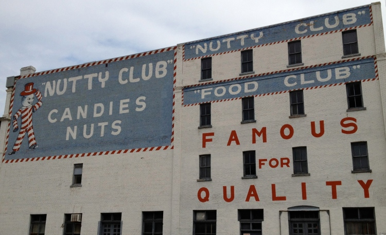 Nutty Club. © Janis Thiessen, University of Winnipeg, ja.thiessen@uwinnipeg.ca.